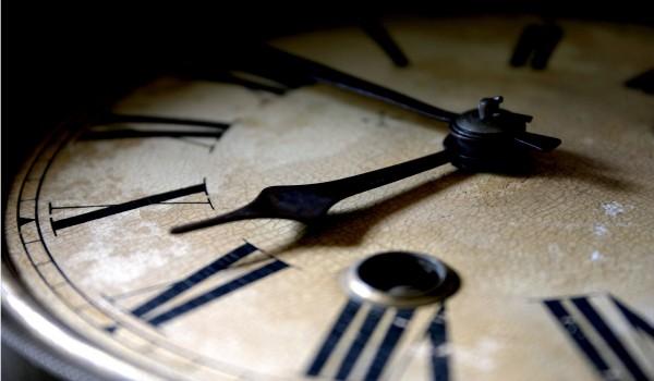Tempo - Equações do Movimento